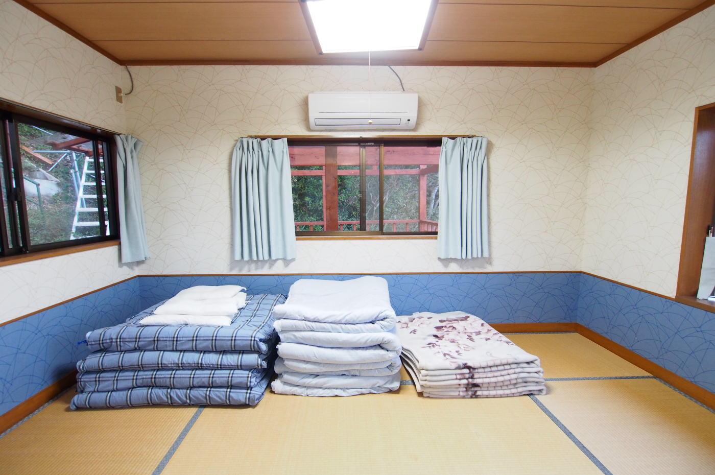 入田浜山荘 8名用 和室