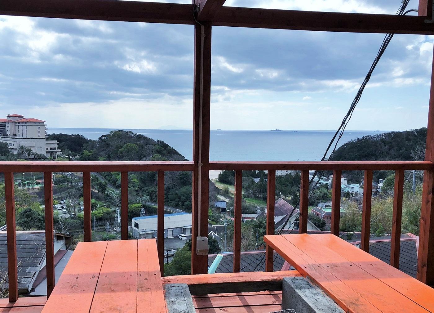 海の絶景が見えるバーベキュー場。伊豆の海の幸をふんだんに使った海鮮バーベキューも可能。