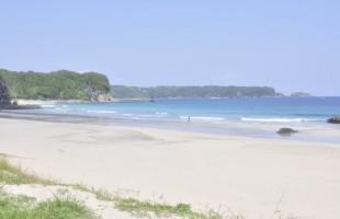 全国で14か所しかない綺麗な水質の入田浜海水浴場