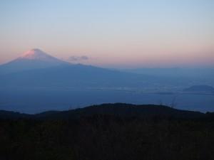 だるま山レストハウスから富士山の眺め