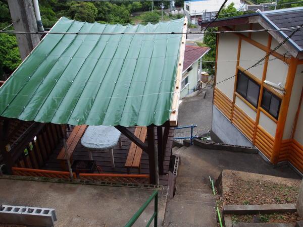 屋根を付けたバーベキューコーナー