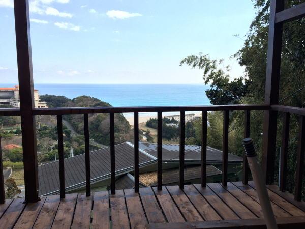 伊豆の海が見えるバーベキューコーナー|屋根付きバーベキューコーナーに変身完成