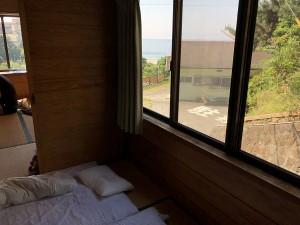 朝一で海の眺めが気持ち良い!入田浜山荘2号棟の旅