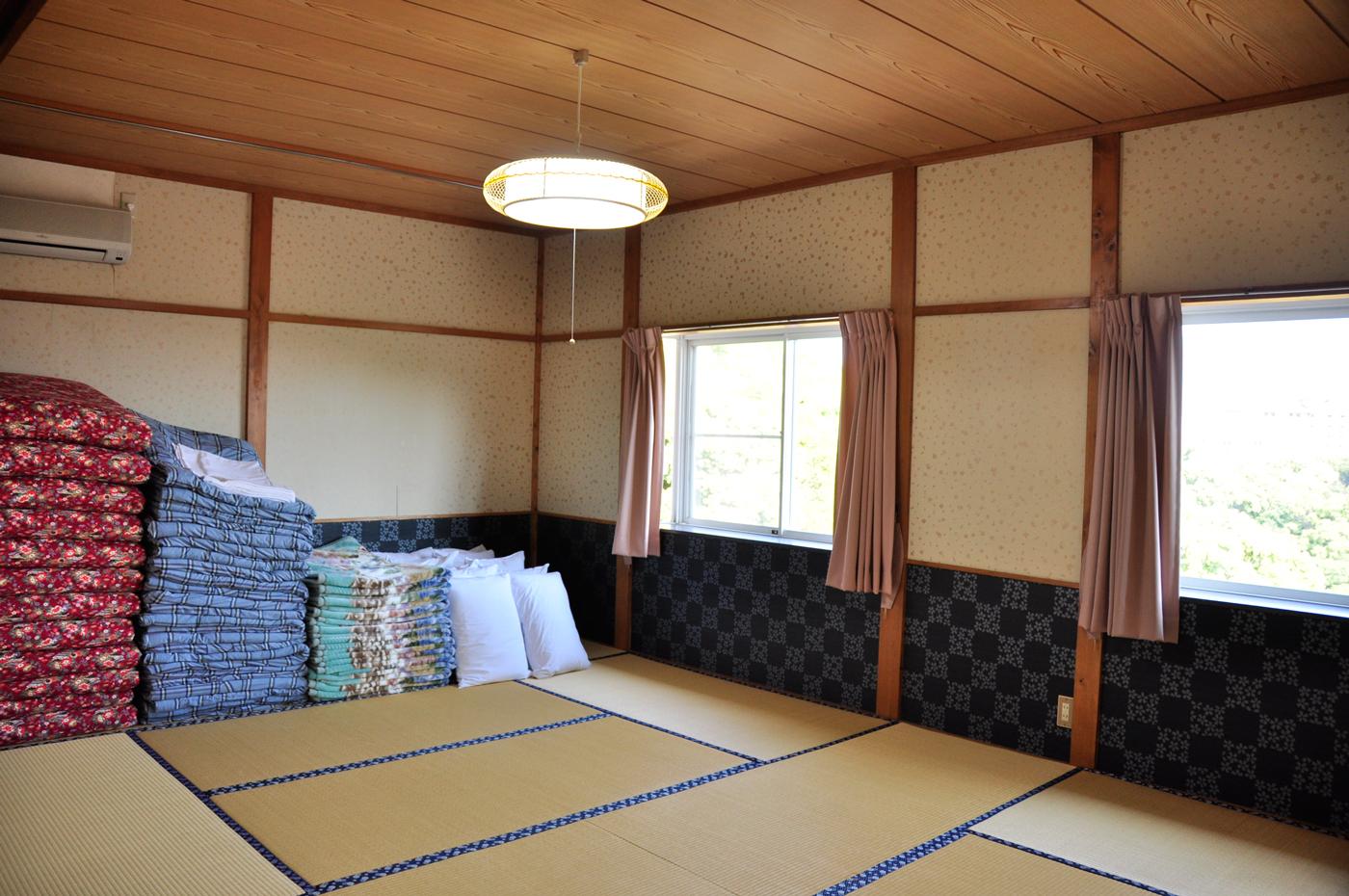 入田浜山荘 10名 和室