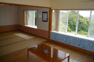 入田浜山荘 8名 ダイニング