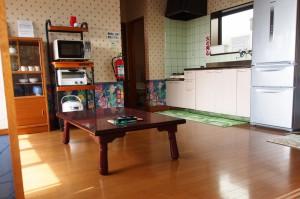 入田浜山荘 8名 リビング