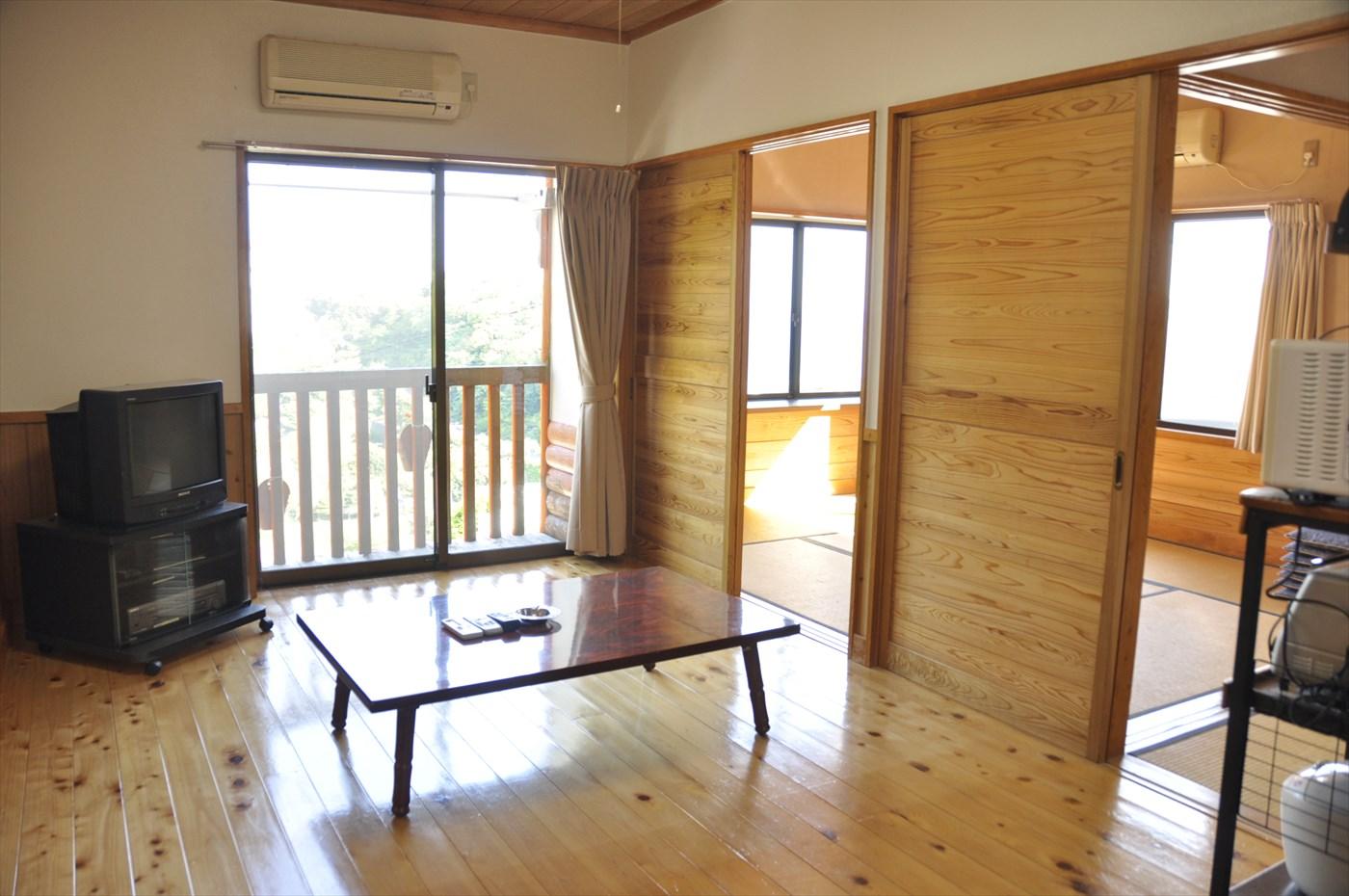 入田浜山荘2号棟 6名用 ダイニング