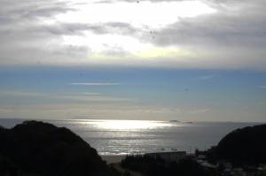入田浜山荘から海を臨む
