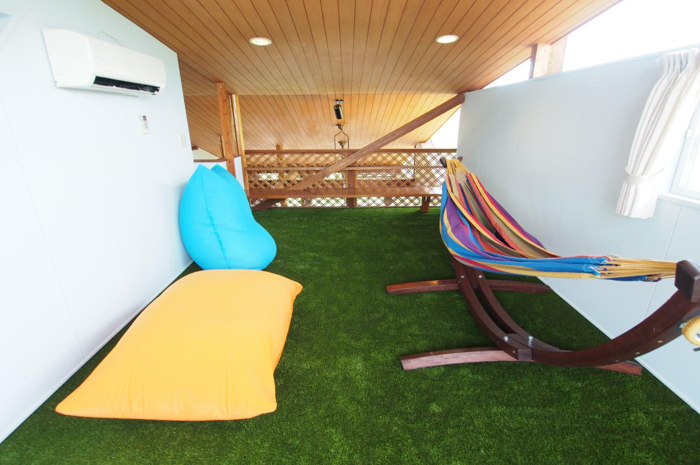 relaxroom-large-03