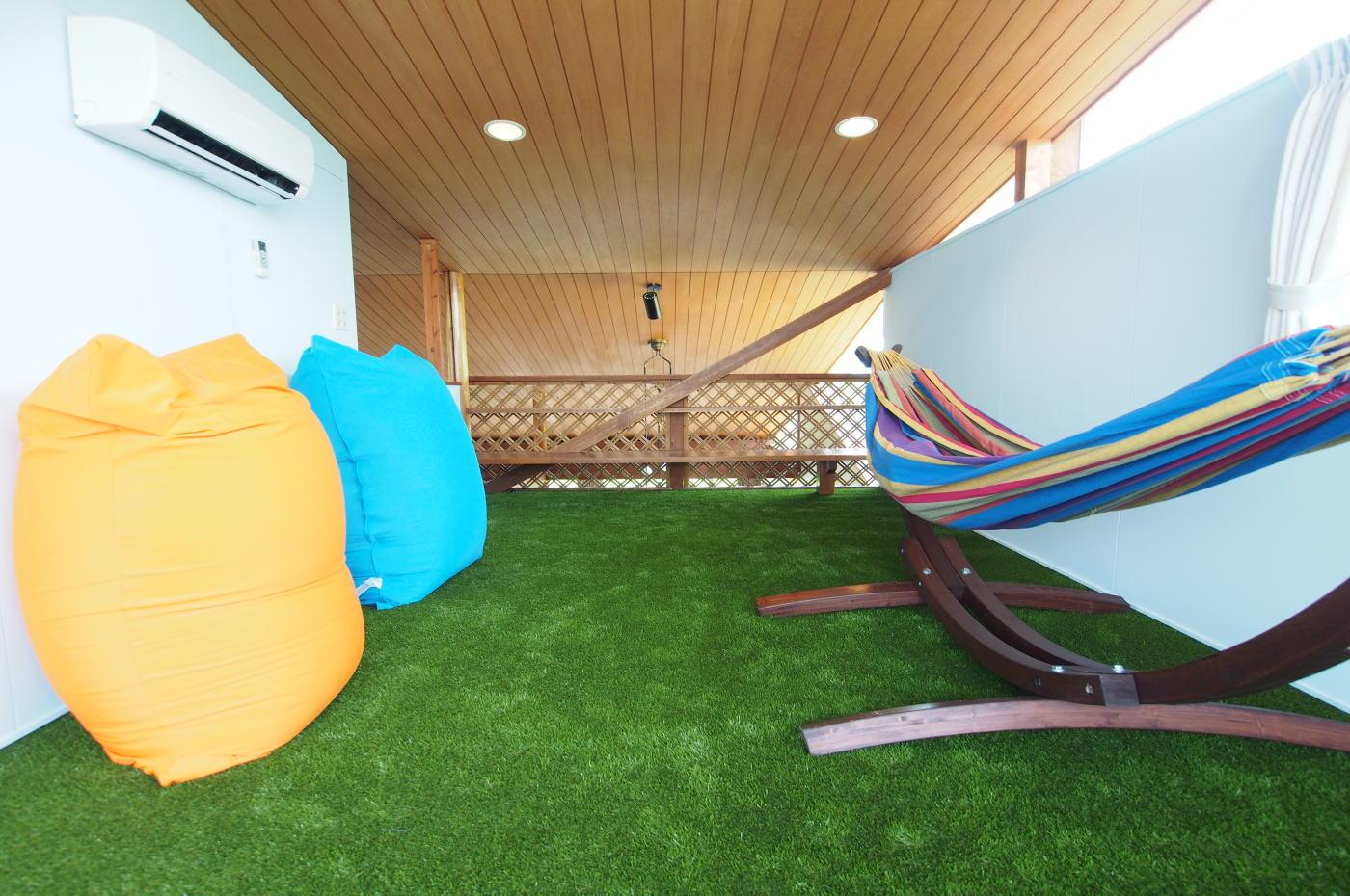 relaxroom-large-06