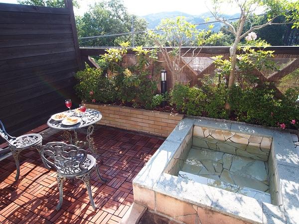 紅葉シーズンの露天風呂も格別です!修禅寺フォーレスト